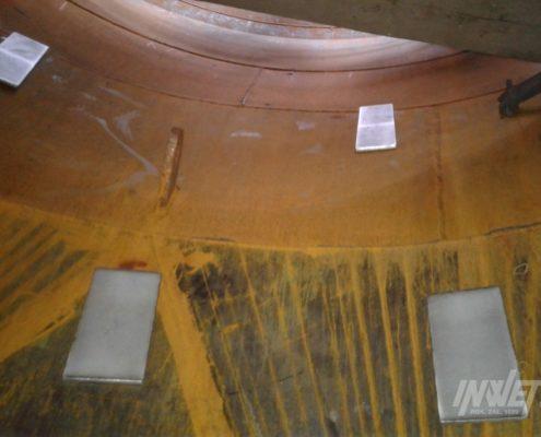 Płyty aeracyjne wewnątrz silosa