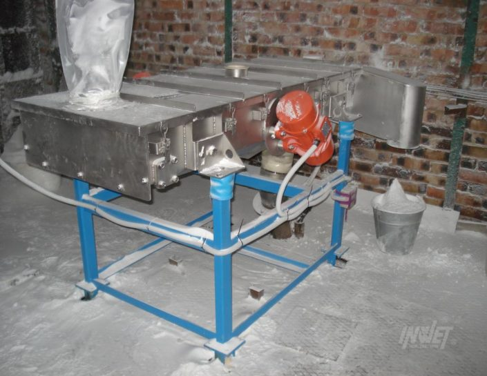 Electric vibrator as vibrating screen drive