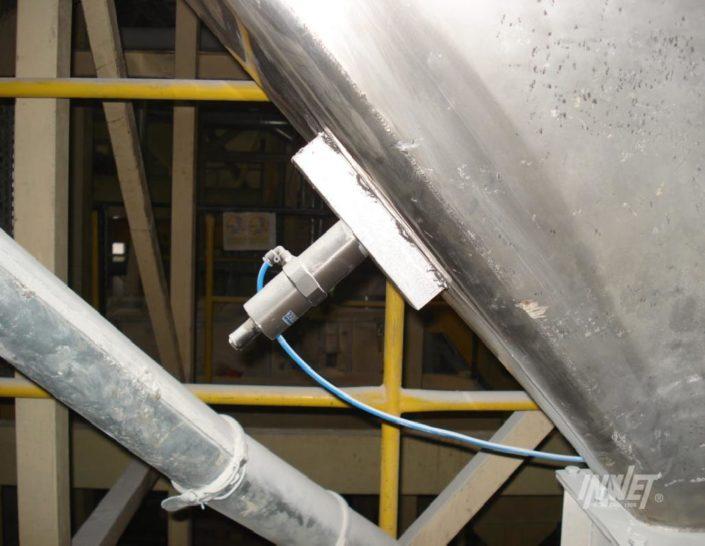 Wibrator pneumatyczny tłokowy Findeva
